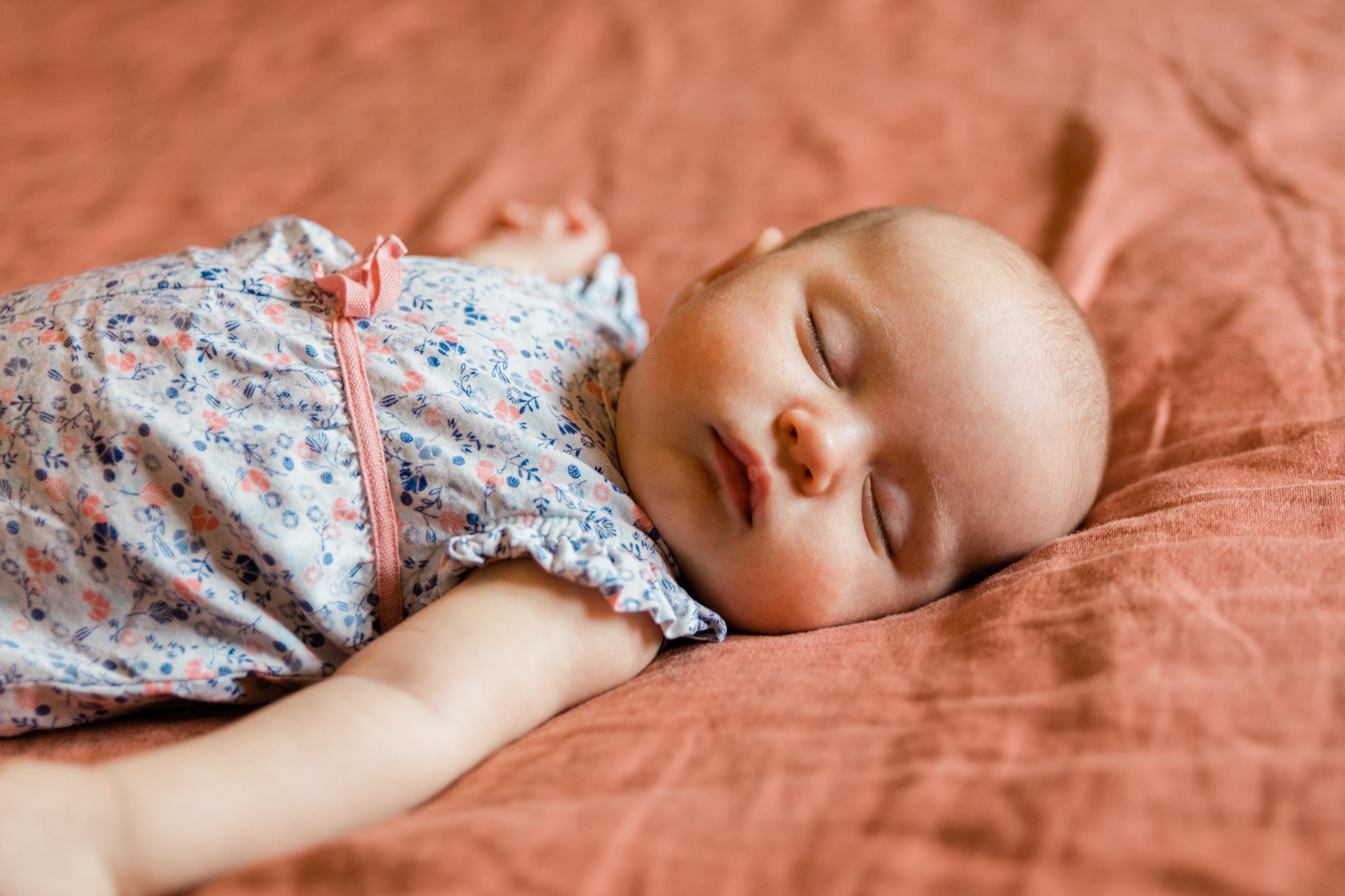 bordeaux-photographe-bébé-nouveau-né-lifestyle-emeline-mingot